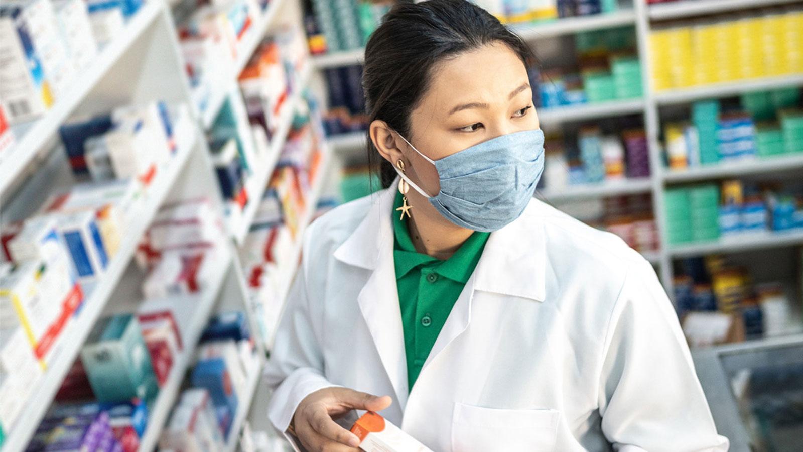 Pharmacist-gazing